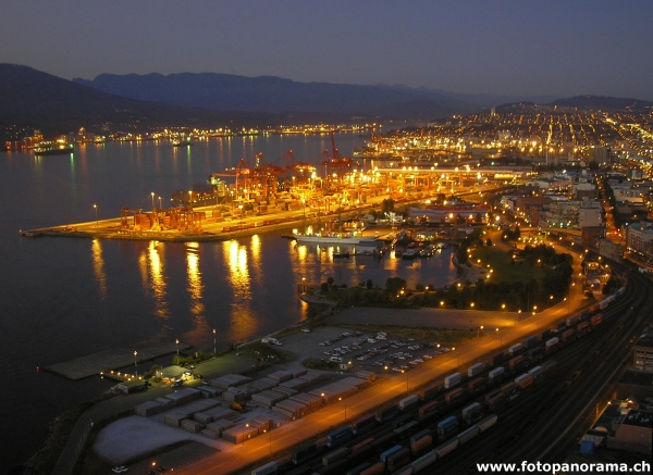 Vancouver, Waterfront by Night